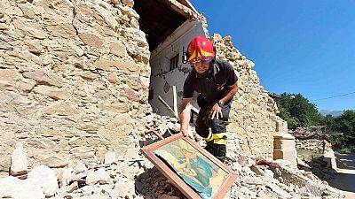 Comienza la demolición de los edificios afectados por el terremoto en Italia