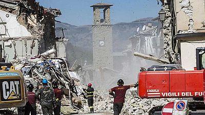 En Italia continúan los trabajos de rescate de las víctimas del terremoto de la semana pasada