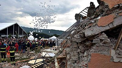 Continúa la investigación por el terremoto de Italia mientras los afectados recuerdan a las víctimas