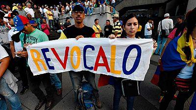 La oposición venezolana se manifiesta en Caracas para exigir el revocatorio de Maduro