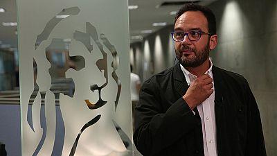 PSOE y Podemos piden un pleno urgente para que comparezca De Guindos por el nombramiento de Soria