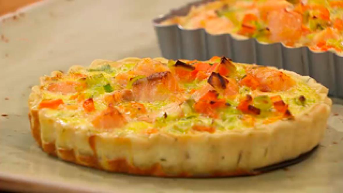 Receta de tarta salada de puerros y salmón