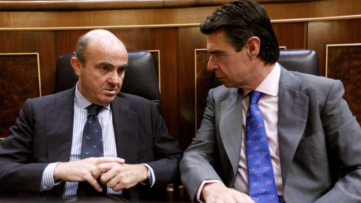 La oposición fuerza que De Guindos explique en un pleno urgente el caso Soria pero Pastor evita poner fecha