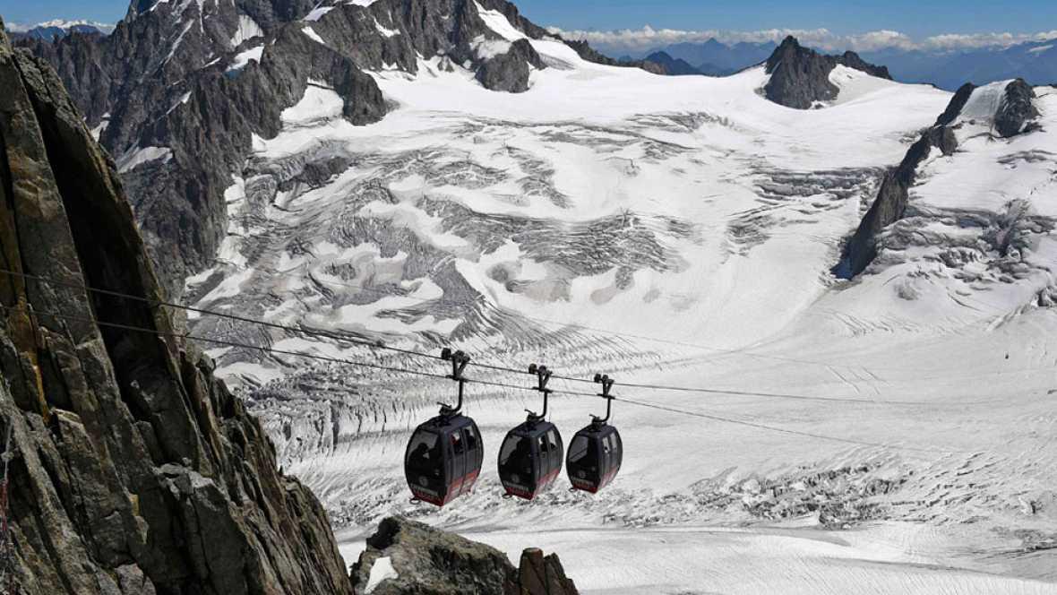 Termina el rescate de las 33 personas que han pasado la noche bloqueadas en el Mont-Blanc