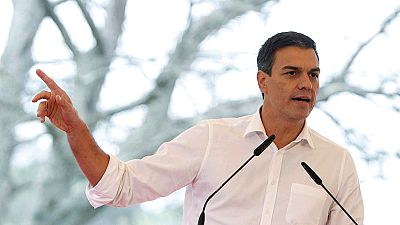 """Sánchez pide a Iglesias y Rivera que """"levanten sus vetos cruzados"""" para ser alternativa a Rajoy"""