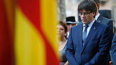 """Puigdemont sólo convocará el referéndum si es """"vinculante"""" y el Gobierno le recuerda que es ilegal"""