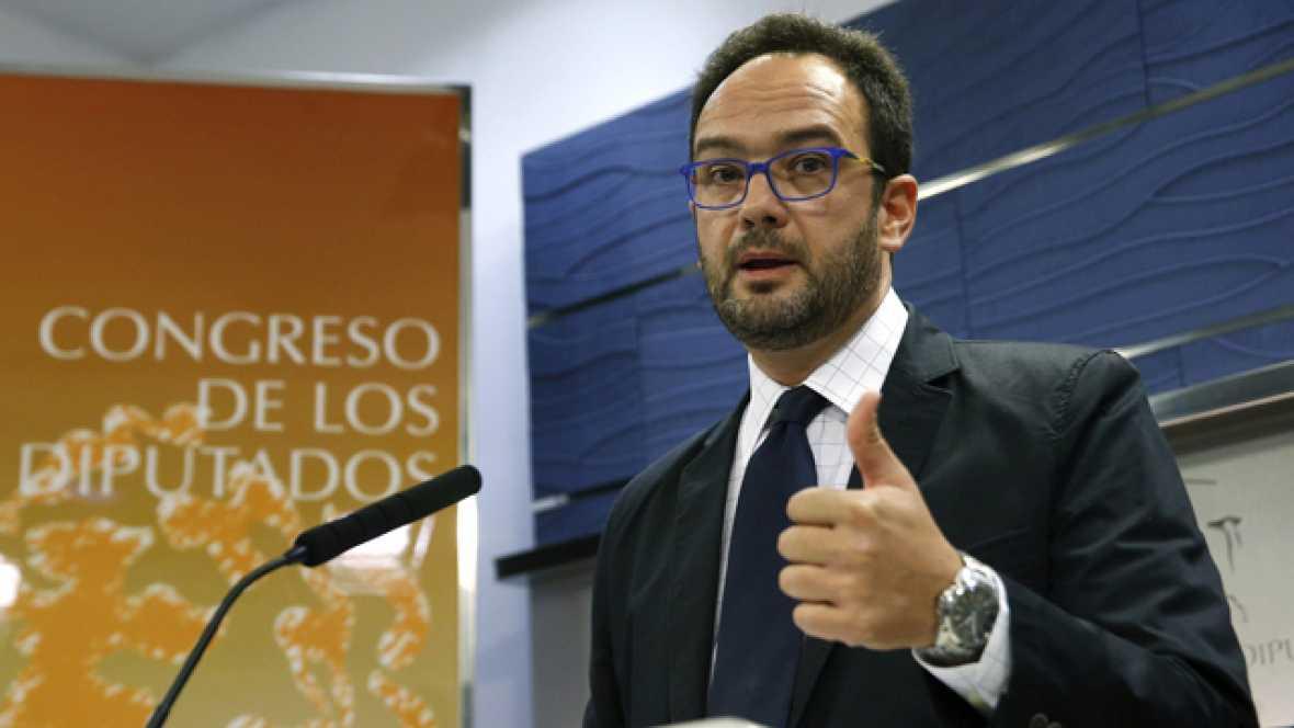 El PSOE y Podemos estudian reprobar a Ana Pastor si no fija el pleno para la comparecencia de Luis De Guindos