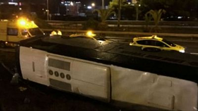 Veinticuatro heridos, tres de ellos graves, en un accidente de autobús en Barcelona
