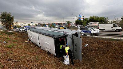 Un accidente de autobús en la ronda litoral de Barcelona deja 24 personas heridas