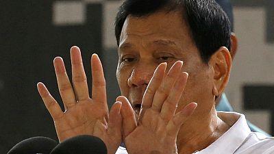 filipina marcha atrás