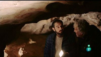 El cazador de cerebros - Viaje a los orígenes: Cuevas del Castillo, Cantabria