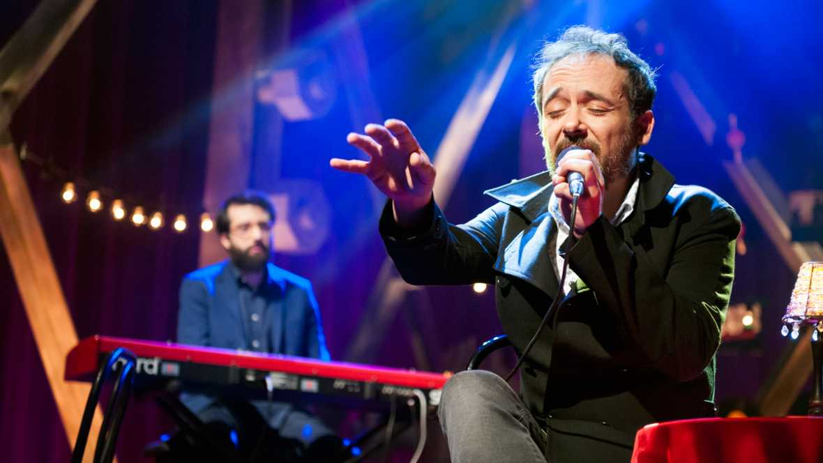 "Love of Lesbian: ""Club de fans de John Boy"" (versi�n tango)"