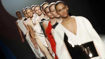 La calle marca el paso a los diseñadores de moda