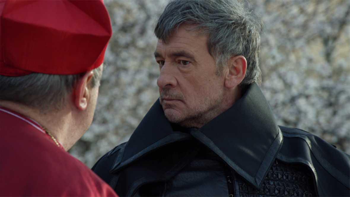 Águila Roja - Hernán intenta entrar en el Palacio Real por la fuerza