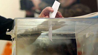 Unos 2,7 millones de gallegos votan en las elecciones autonómicas del 25S