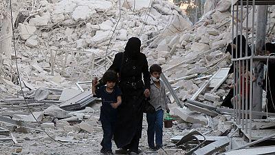 Alepo se queda sin agua por los bombardeos, que causan decenas de muertos