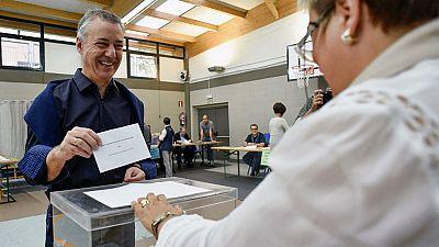 Los líderes políticos vascos animan a votar pensando en el futuro de Euskadi