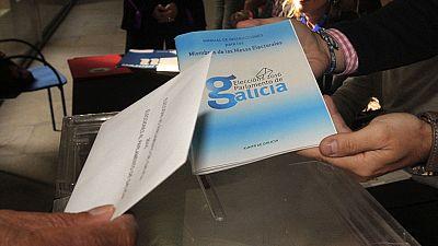 La jornada electoral transcurre con normalidad en Galicia y el País Vasco