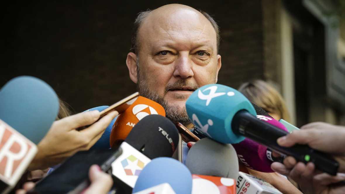 La propuesta de adelantar las primarias y celebrar un Congreso despierta voces críticas en el seno del PSOE