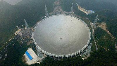 China ha puesto en marcha el mayor radiotelescopio del mundo, una gigantesca instalación de quinientos metros de diámetro que busca ayudar a entender el universo y con el que Pekín quiere potenciar su presencia y su prestigio en la ciencia internacio