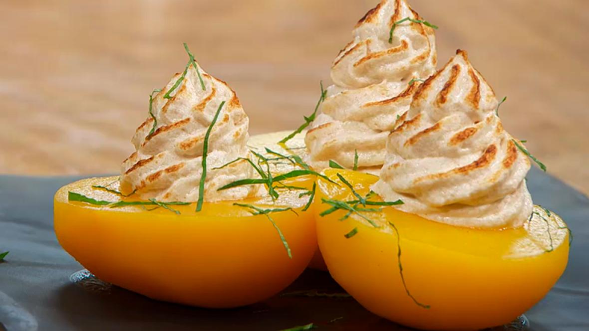 Receta de melocotones en almíbar con merengue de coco