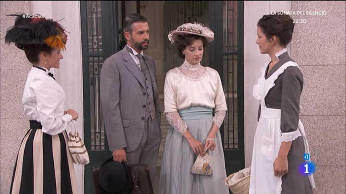 Celia conoce a Huertas y Felipe le hace otro repaso visual