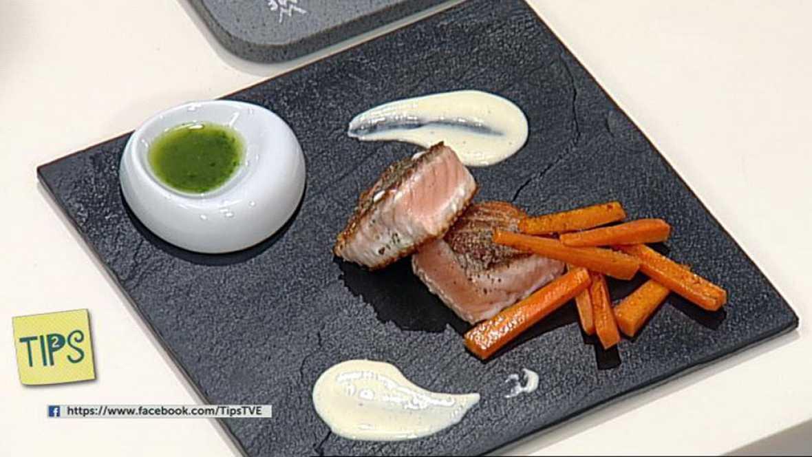 TIPS - Recetas - Salmón a la plancha con crema de cebolla