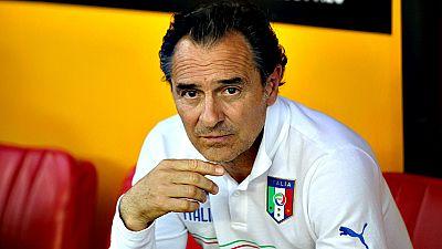 El t�cnico Cesare Prandelli ya lleg� a un acuerdo para entrenar al Valencia hasta el junio de 2018 y el conjunto espa�ol lo har� oficial en las pr�ximas horas, seg�n informa hoy la prensa italiana.