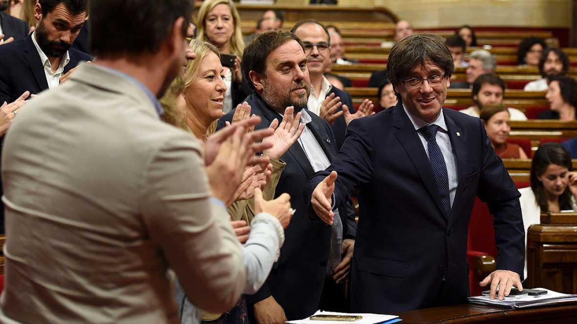 Puigdemont evita nuevas elecciones en Cataluña gracias al apoyo de la CUP