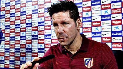 """El entrenador del Atlético de Madrid, Diego Pablo Simeone, ha  declarado en el 50 aniversario del Vicente Calderón, que a pesar de  que el Atlético vaya a abandonar el emblemático estadio, """"la historia  se respeta y el Calderón se respetará para toda"""