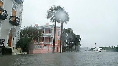 El huracán Matthew avanza por la costa este de Estados Unidos