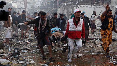 Un misil provoca un centenar de muertos en Yemen