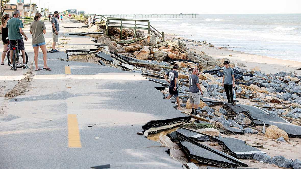 El huracán Matthew se debilita tras causar cientos de muertos en Haití y once en EE.UU.