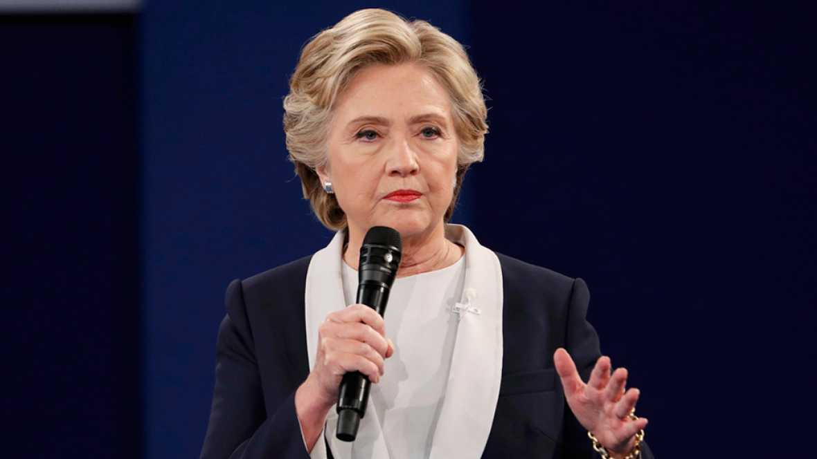 "Clinton acusa a Trump de ser ""amigo"" de Rusia y de Putin"