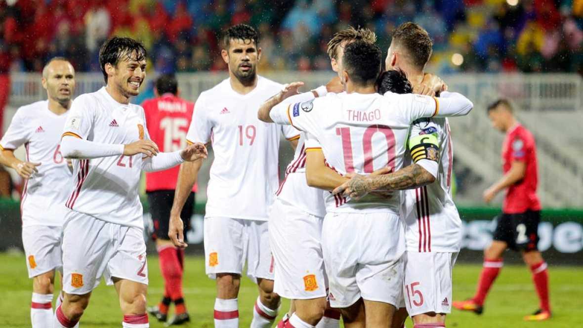 España suda para ganar a Albania