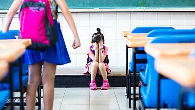 En España, uno de cada diez estudiantes de secundaria reconoce haber sufrido acoso, según el último informe Save the children. Esta organización asegura que seis de cada diez niños reconocen haber recibido insultos en los últimos tres meses; casi un