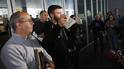 El Ayuntamiento de Badalona abre sus puertas en contra del auto del juez