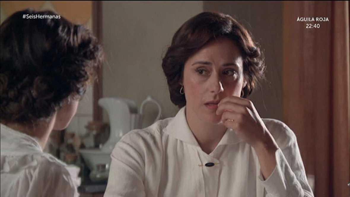 Celia le propone a Aurora huir juntas del país