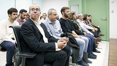 La Fiscalía ve desobediencia en la decisión del Ayuntamiento Badalona de abrir en la Fiesta Nacional