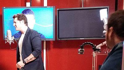 Roberto Leal entrevista a Manu Tenorio