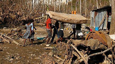 Haití recibe ayudas y se debate en la catástrofe humanitaria tras el paso de Matthew