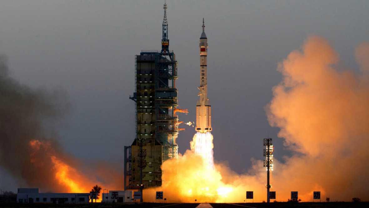 """China lanza con éxito la """"Shenzhou XI"""", su sexta misión espacial tripulada"""