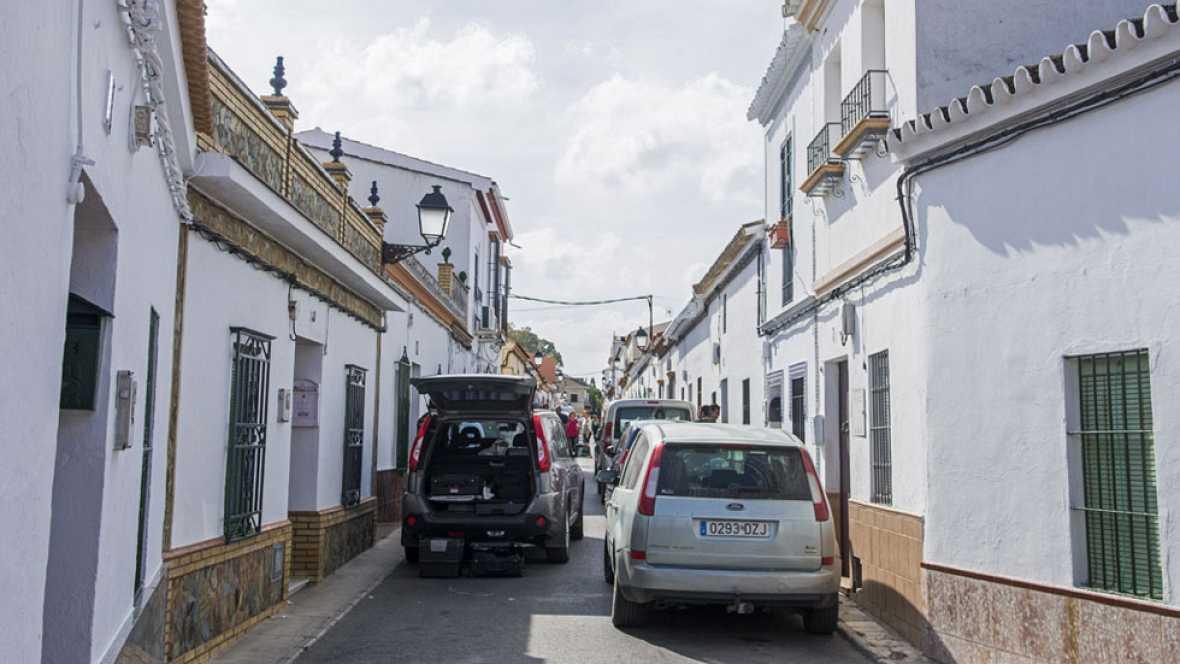 Minuto de silencio en Olivares en repulsa por la muerte de una mujer a manos de su pareja