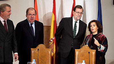 Rajoy se muestra prudente ante la investidura y llama a trabajar 'todos juntos'