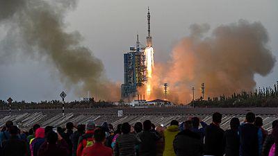 """Shenzhou XI"", la sexta misión espacial tripulada de China, despega con éxito"