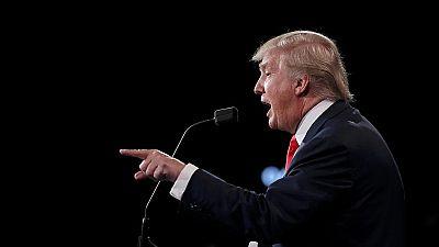 Trump insiste en levantar un muro con México y Clinton en una reforma migratoria