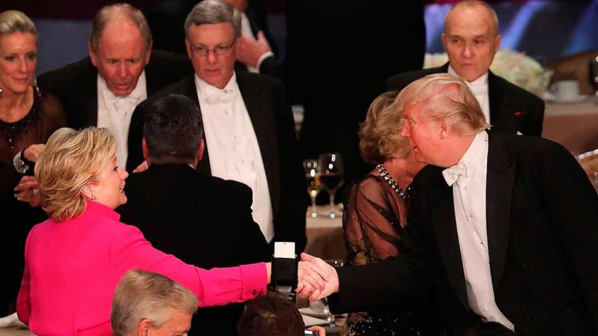 La tensi�n entre Trump y Clinton vuelve a aflorar en la tradicional gala ben�fica de Nueva York