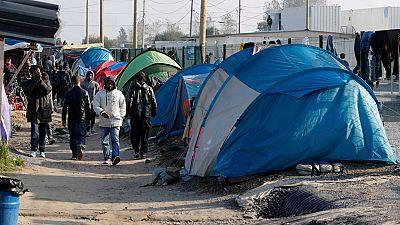Crece la tensión en el campamento de inmigrantes de Calais, en el norte de Francia