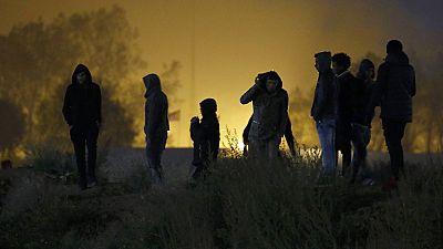 Comienza el desmantelamiento del campamento de refugiados de Calais
