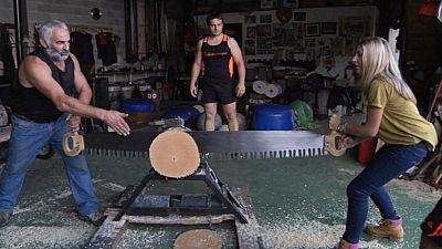 """En el """"gimnasio"""" de de los deportistas de la madera"""